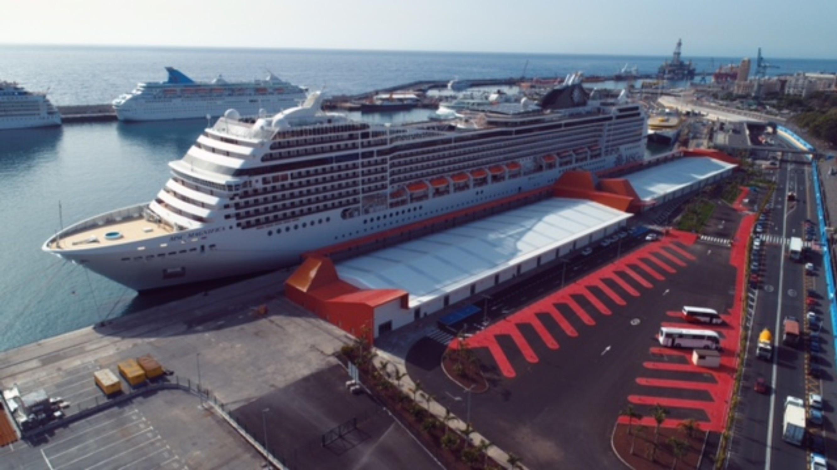 Intensa actividad de cruceros en el puerto de santa cruz for Gimnasio santa cruz de tenerife