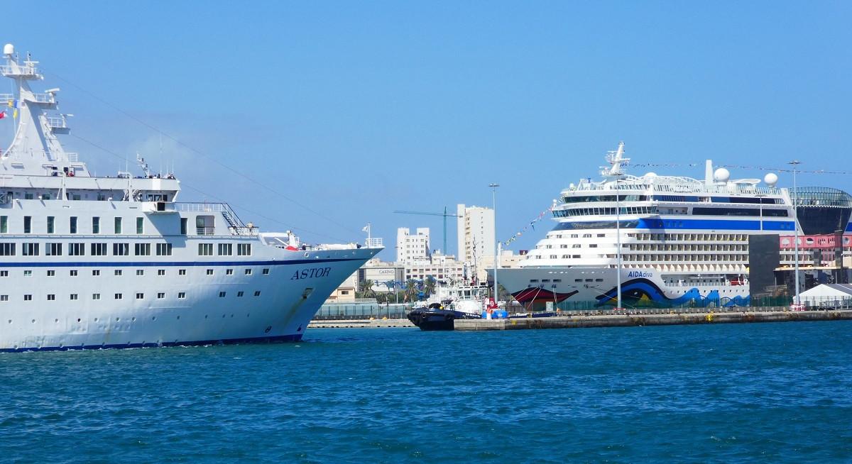 Puerto de Las Palmas   Cruceros   abr18