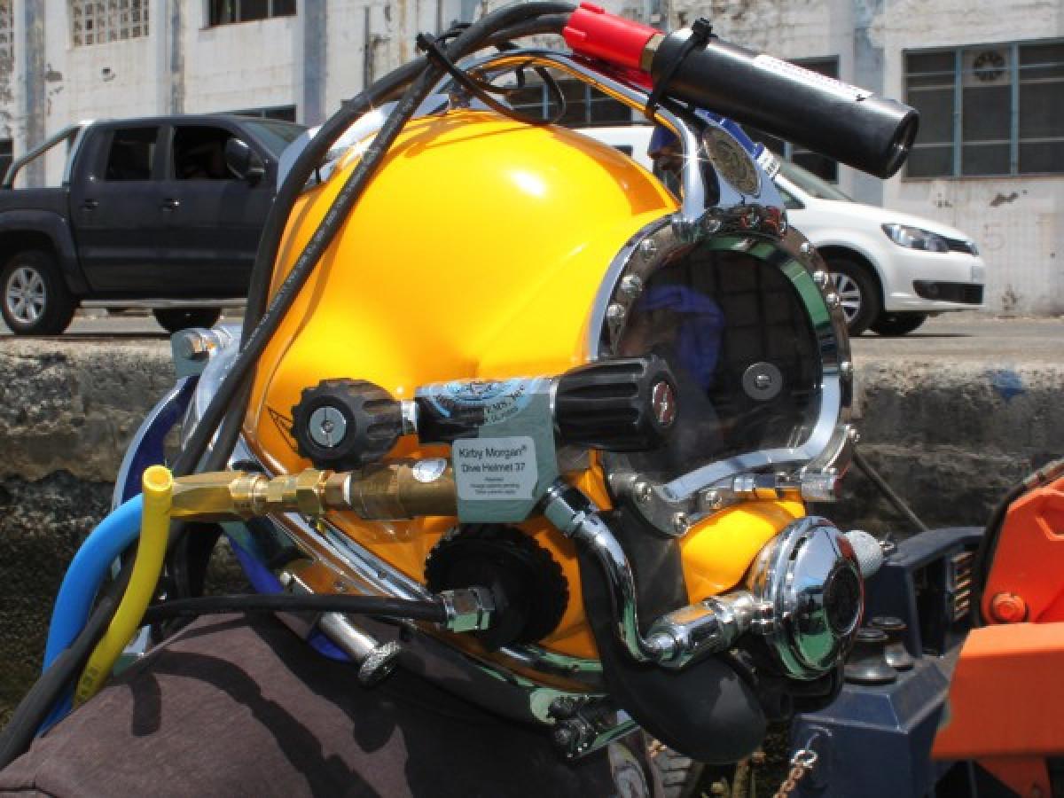 Equipo submarino