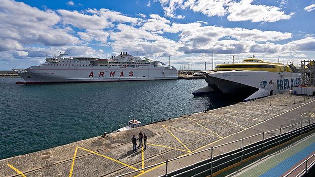 Ferrys Naviera Armas Fred OIsen EDIIMA20141103 0659 13