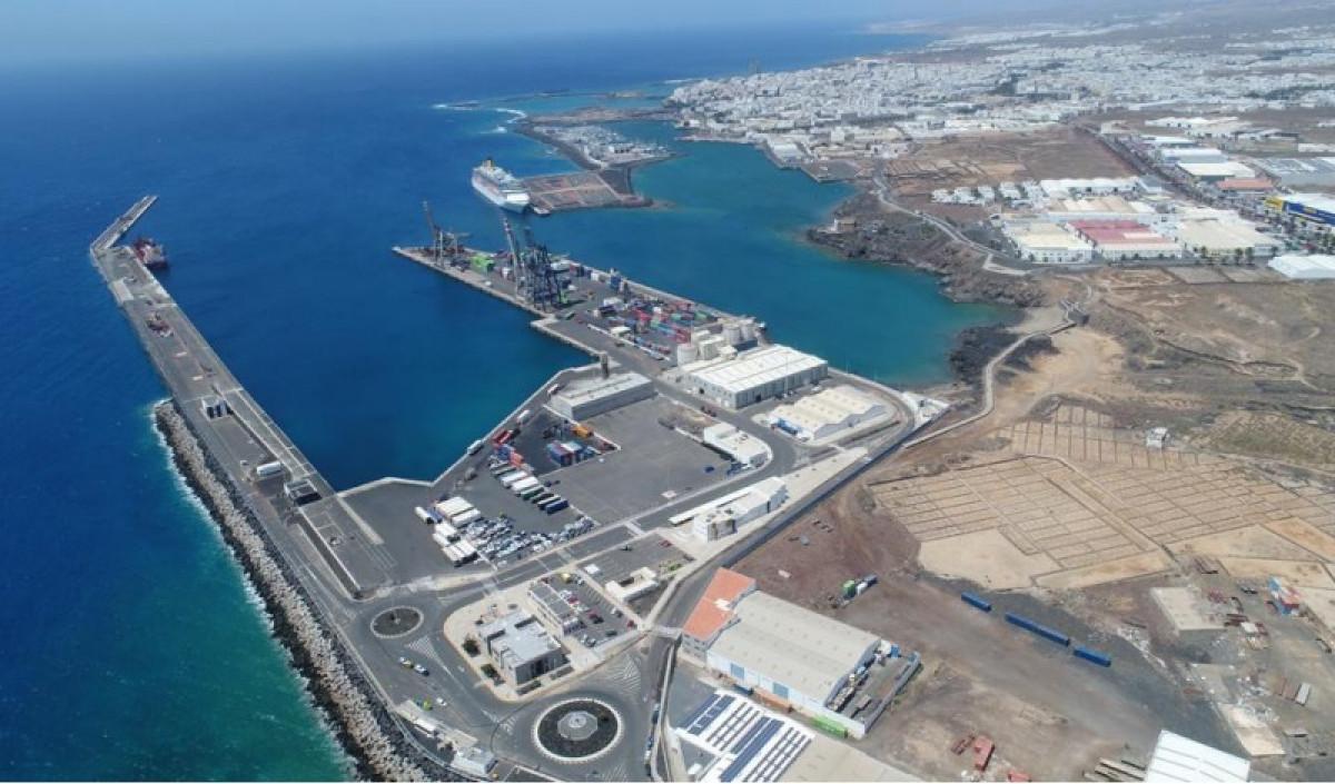 Puertos de Las Palmas   Puerto de Arrecife   panoramica