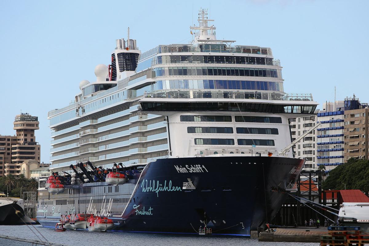 Puertos de Tenerife   Mein Schiff 1 New