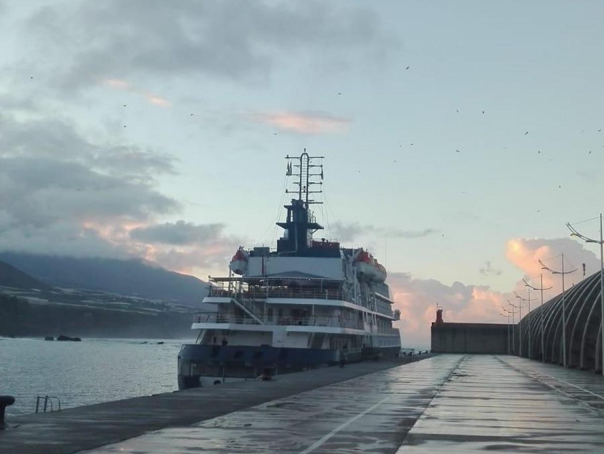 Puerto de Tazacorte   Crucero