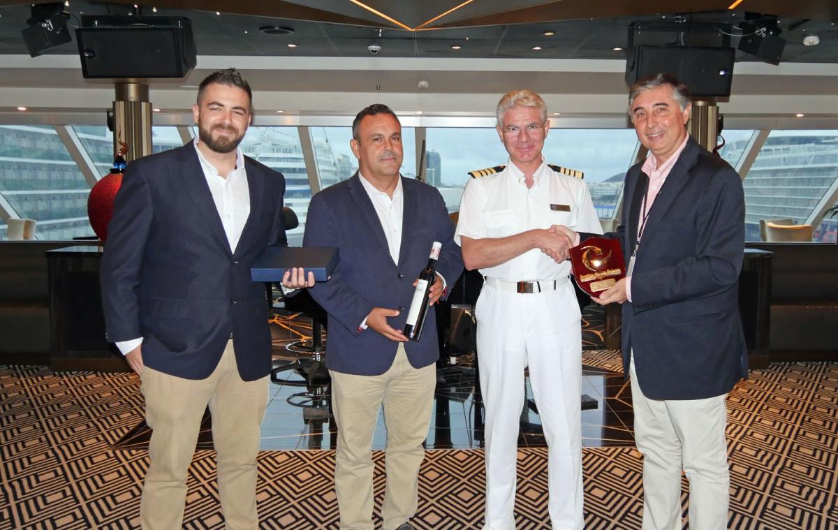 Puerto de Las Palmas   Seven Seas Explorer   Cruceros   metopa   nov18