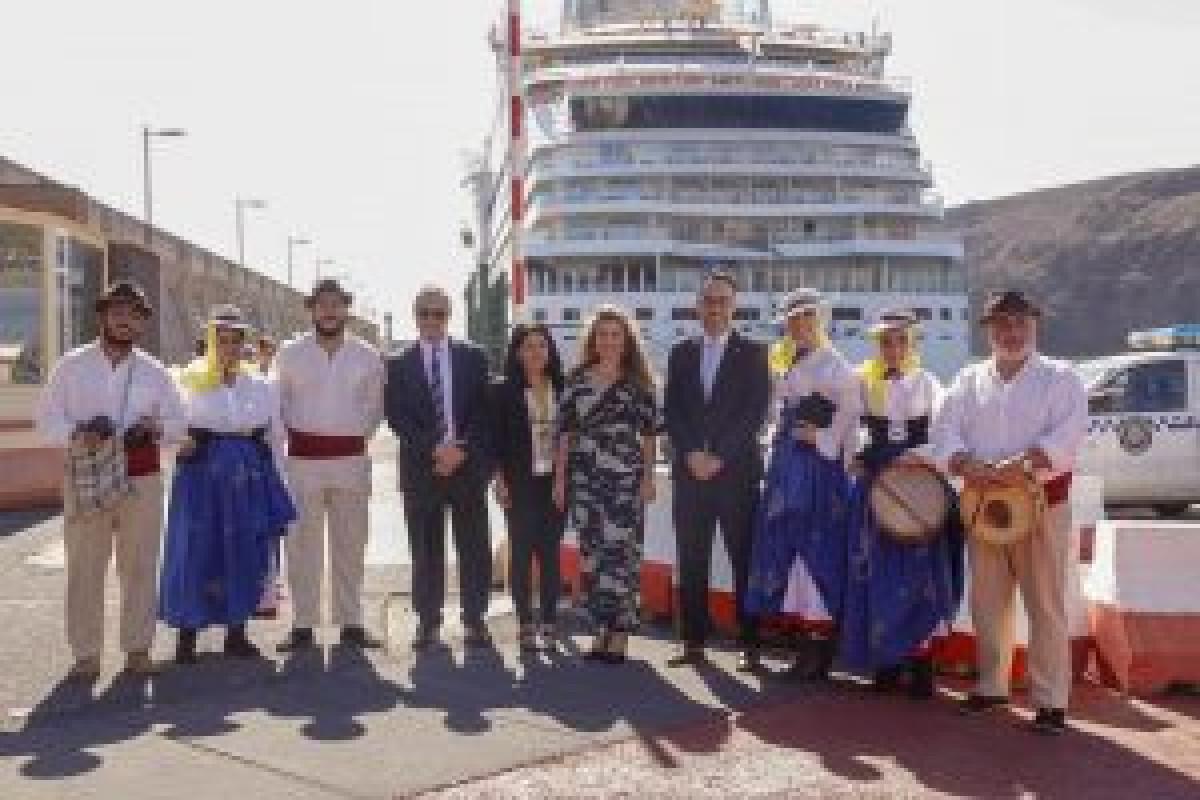 011118 La Gomera   Cruceros   La Gomera recibe mu00e1s de tres mil cruceristas en la primera escala del AIDAstella