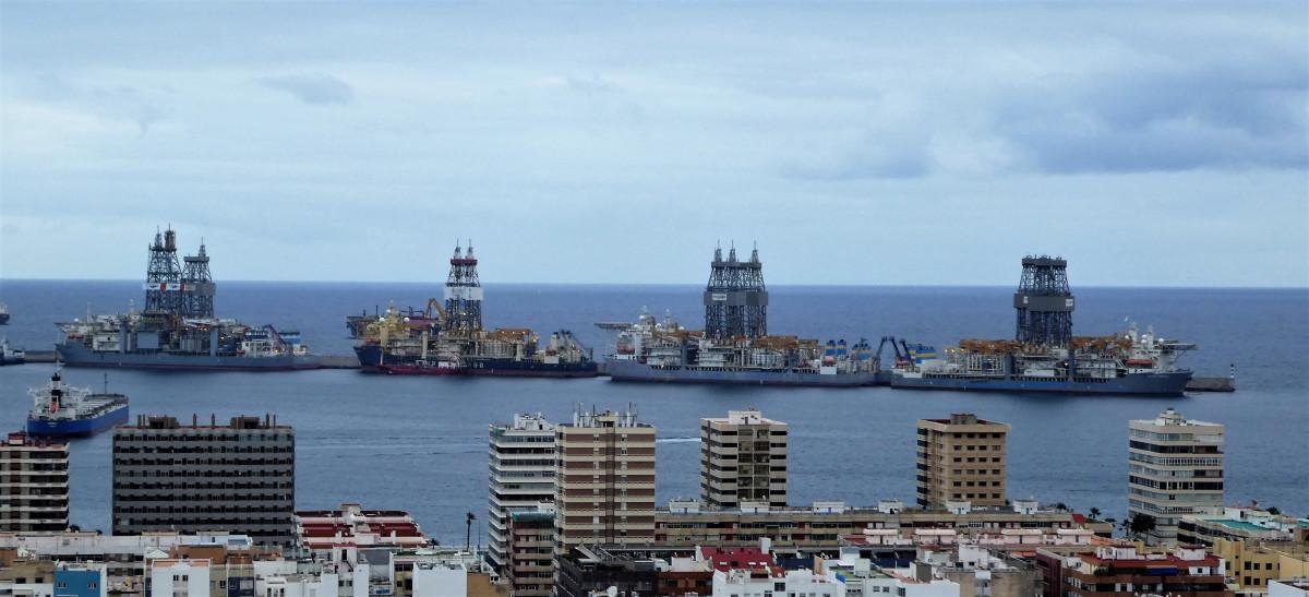 Puerto de Las Palmas   Buques perforadores   nov18
