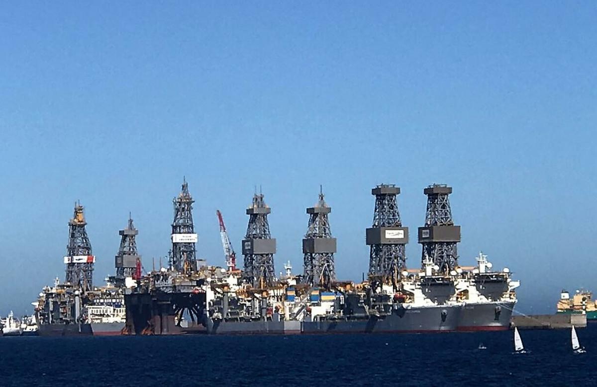 Puerto de Las Palmas   Plataformas y buques perforadores