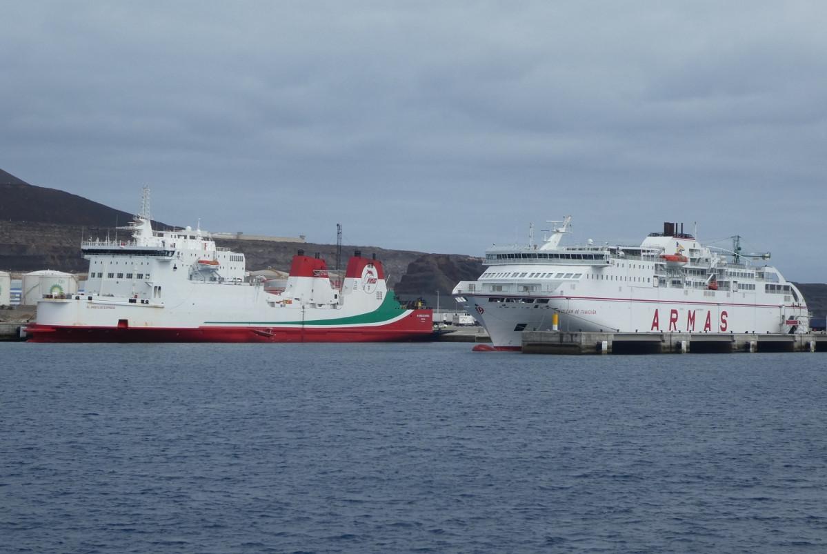 Puertos de Las Palmas  Armas base