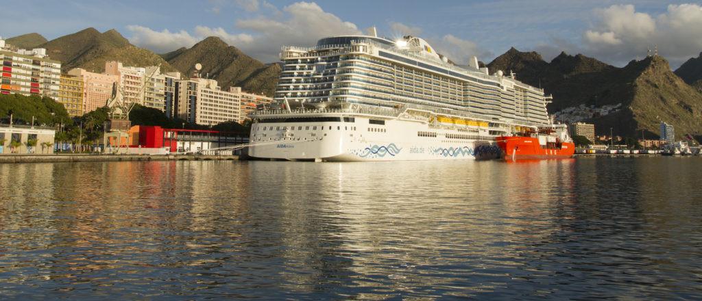 Puertos de Tenerife   Carnival   LNG