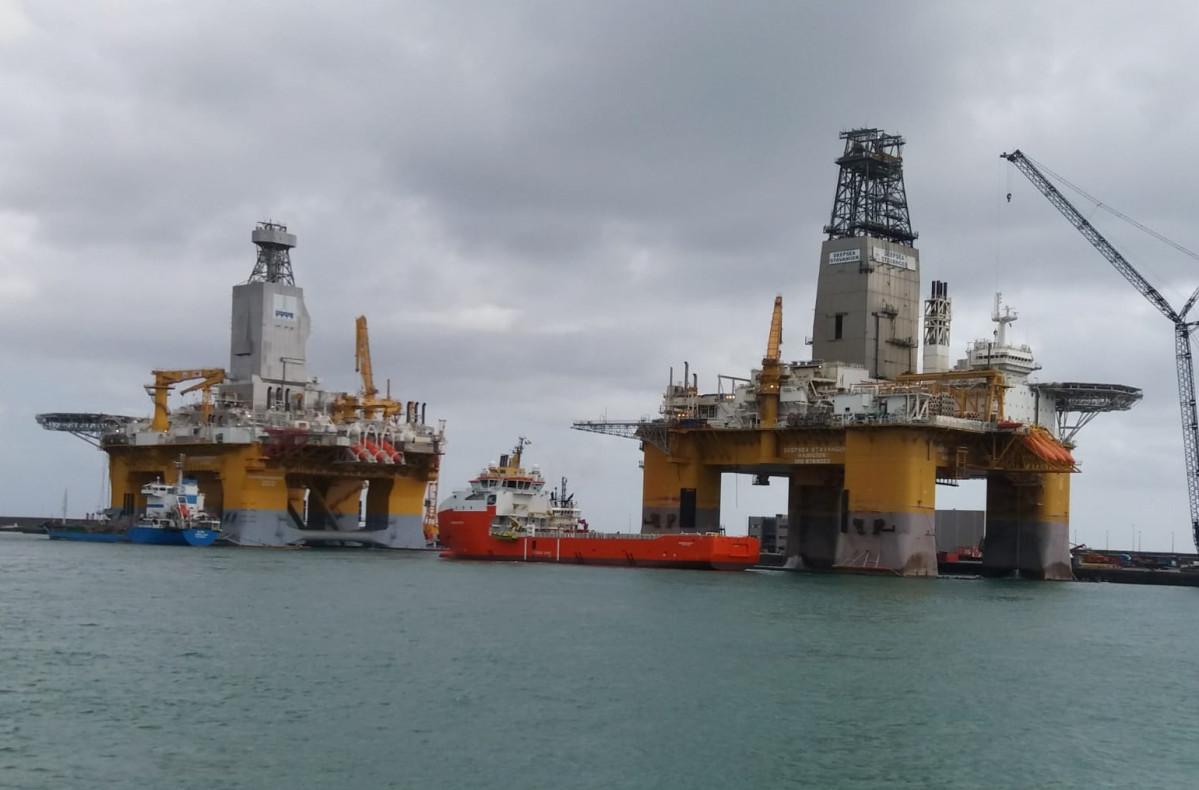 Puerto de Las Palmas   Deepsea Stavanger y Nordkapp
