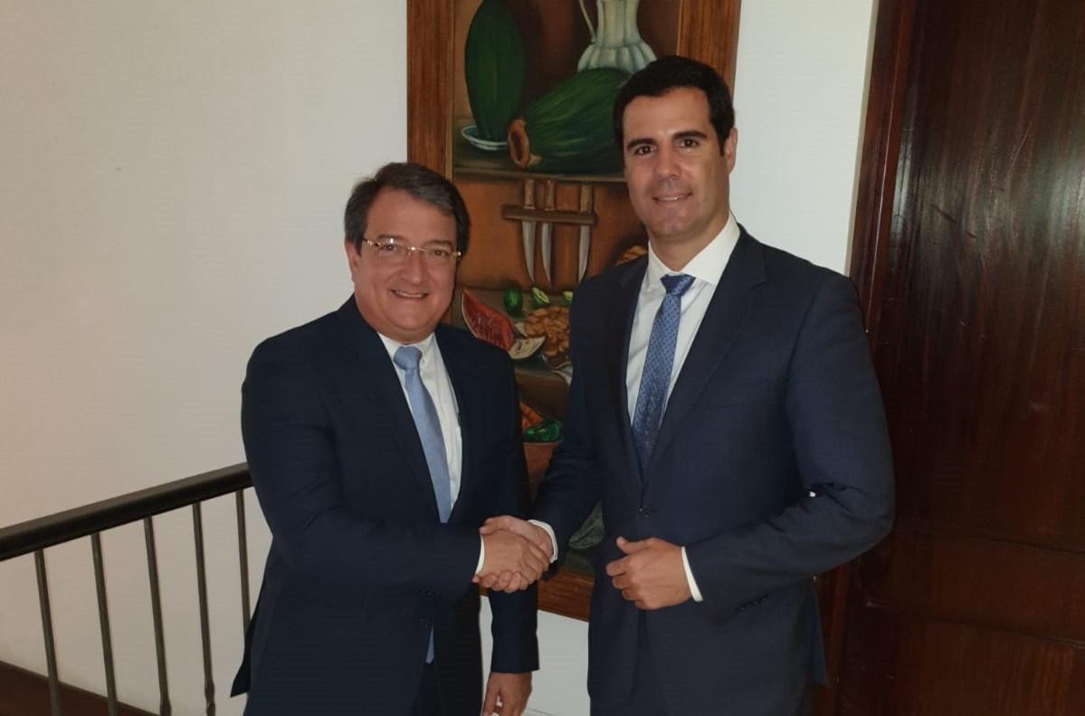 AZFA   Acuerdo   Nestor gonzu00e1lez Ministro Panamu00e1