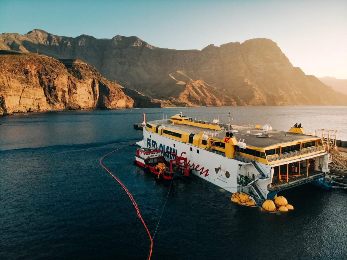 Fred Olsen   Bentago Express   Puerto de Agaete   reparaciu00f3n de fortuna
