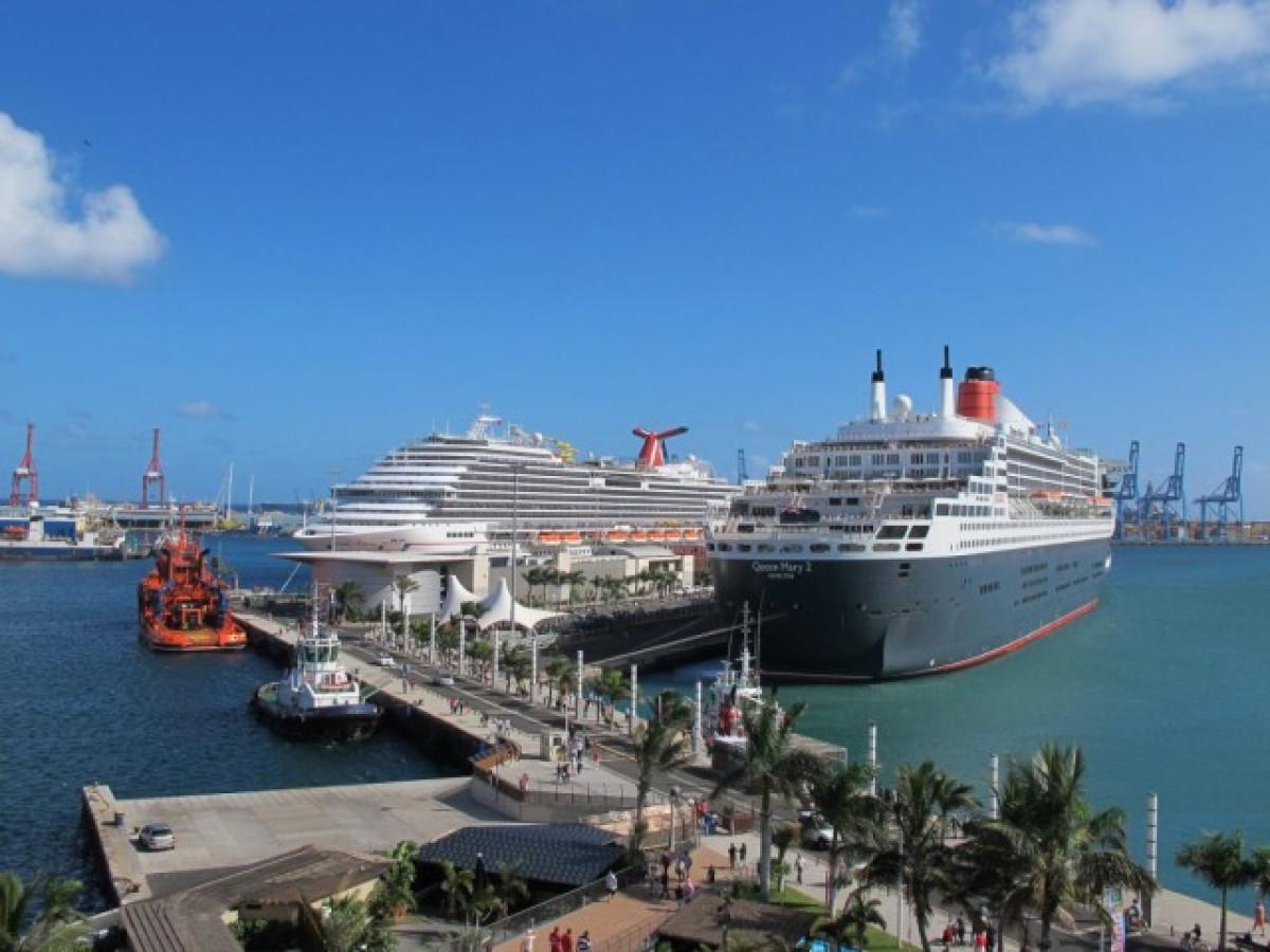 Fotos del crucero Carnival Breeze en el puerto de La Luz y de Las Palmas en Gran Canaria 8179702230 1
