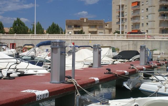 Almarin presenta torretas de suministros para marinas en - Aguas de barcelona spa ...